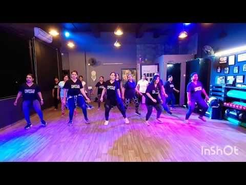 Laal Ghagra | Good Newwz | BollyBeats Fitness | Bhangra ...