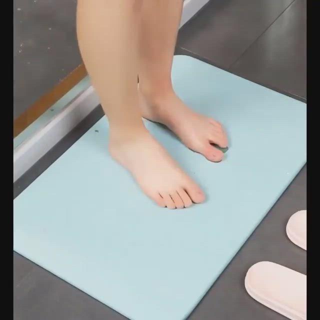 Pin By Susanna Siu On Bathroom Video In 2020 Japanese Bath Bath Mat Traditional Baths