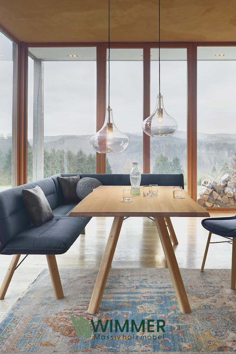 Trendiges Esszimmer Mit Massivholz In 2020 Design Stuhle Esszimmer Esszimmer Mobel Wohnen