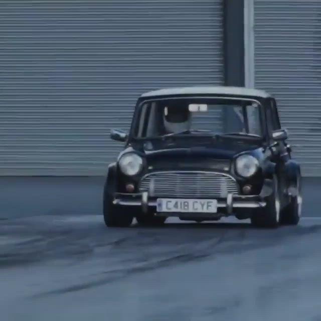 400hp 302ci Small Block V8 In A Mini Video Mini Cooper Mini Cooper Custom Mini Morris
