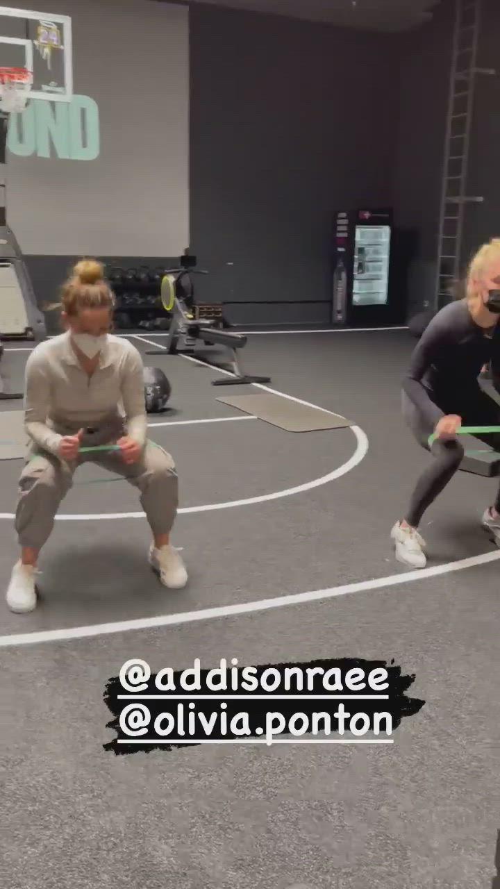 Addison Rae Arrives At Dogpound Gym In West Hollywood 2020 09 17 Dogpound Gym Aesthetic Clothes Fashion