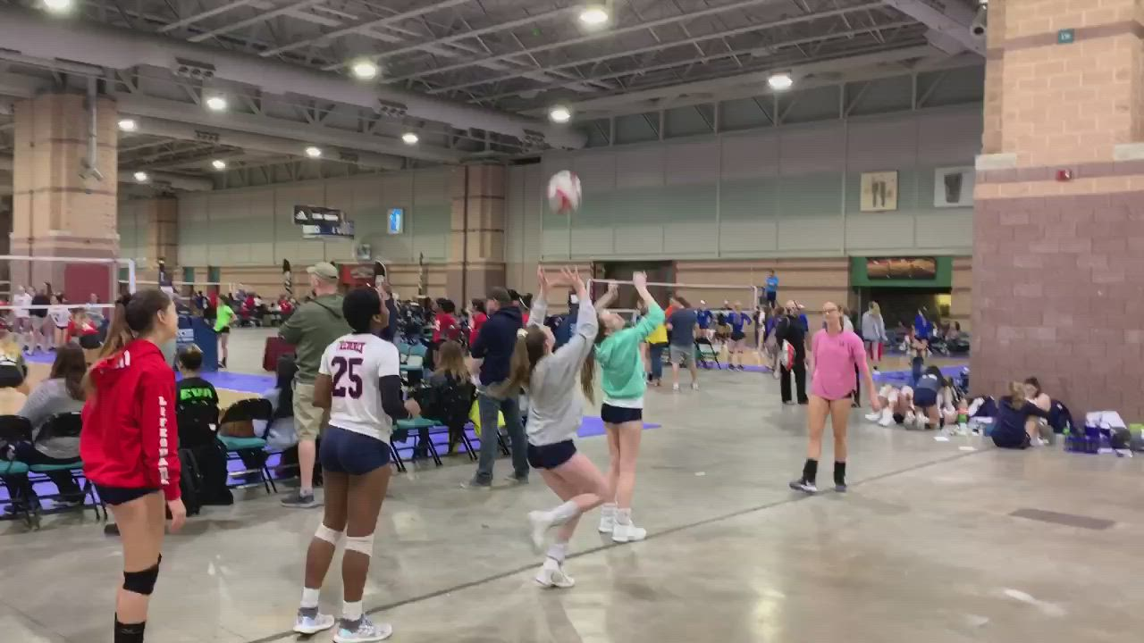 Setting Train Video Volleyball Drills Volleyball Training Coaching Volleyball