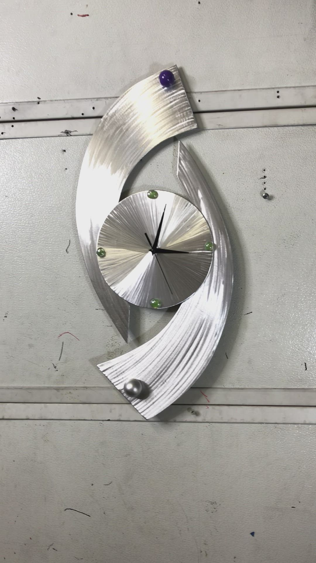 Twistertime Clock By Artist Tony Viscardi Video In 2021 Art Deco Clock Mixed Media Sculpture Contemporary Clocks