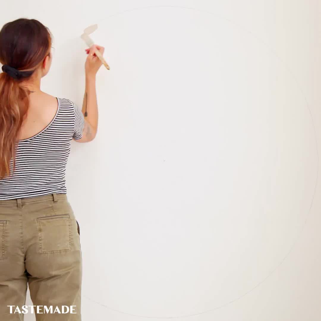This Diy Paint Trick Makes A Wall Pop Video Diy Wall Painting Wall Painting Decor Bedroom Wall Paint