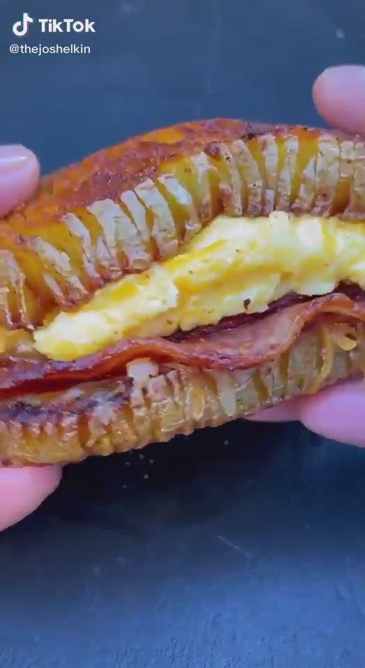 Easy Potato Breakfast Sandwich Hack Food Tiktok Video In 2021 Diy Food Recipes Yummy Food Dessert Food Hacks