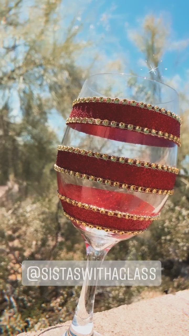 Custom Made Wine Glass Video In 2020 Wine Glass Crafts Unique Wine Glasses Glitter Wine