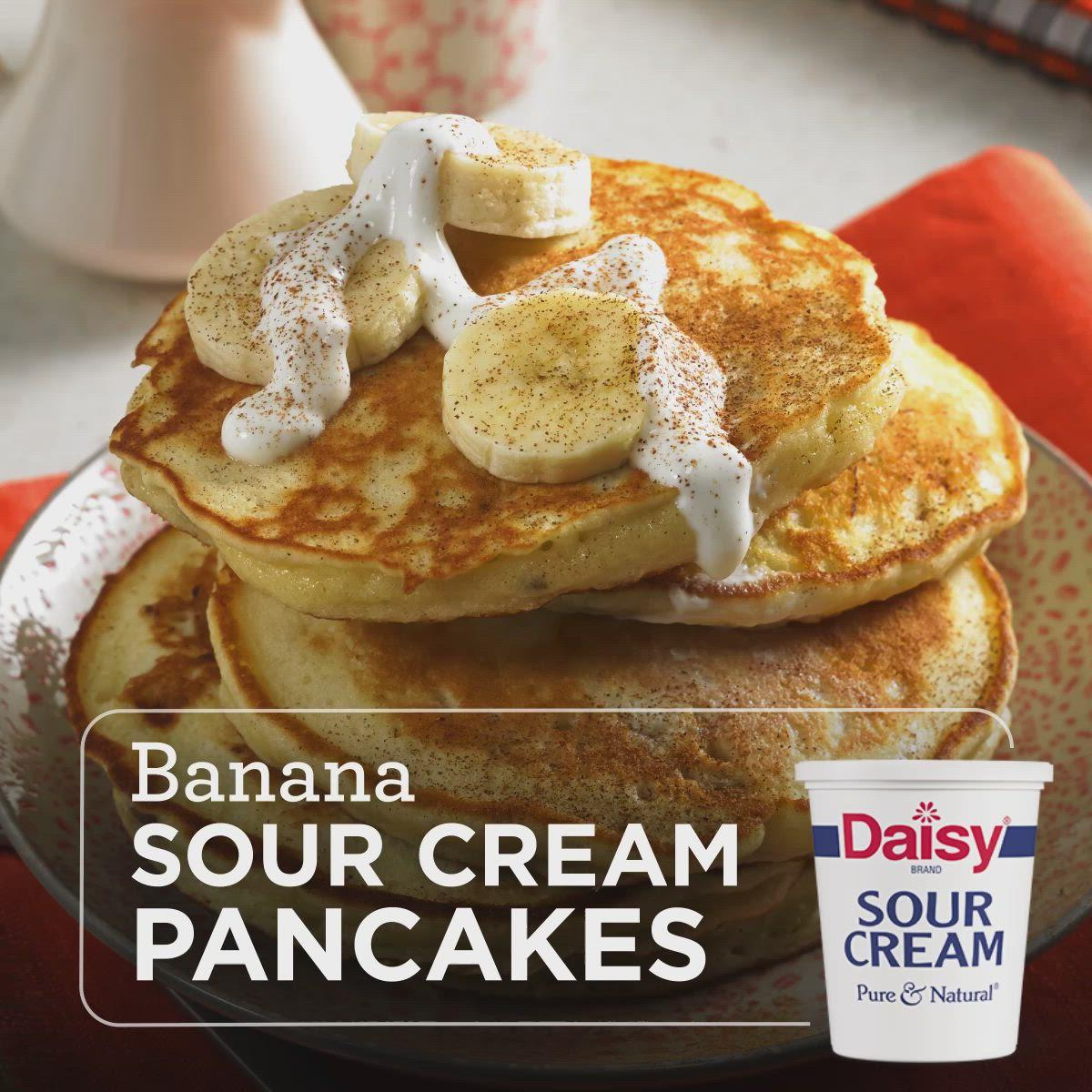 Banana Sour Cream Pancakes Video In 2020 Sour Cream Pancakes Breakfast Brunch Recipes Food Recipies