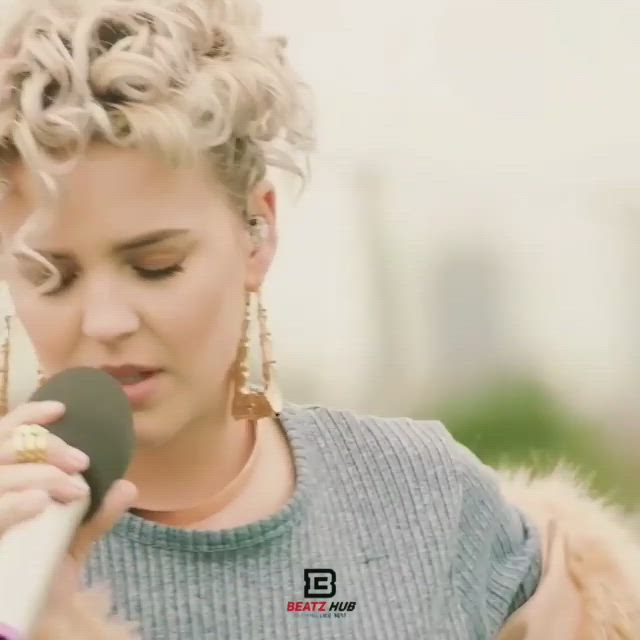 Pin By On Sɪʟᴇɴᴛ Bᴇᴀᴛᴢ Video Cute Songs Romantic Songs Video Anne Maria