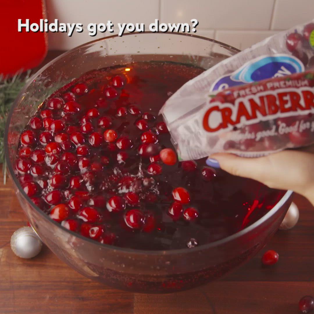 Beware This Christmas Jingle Juice Has Three Bottles Of Wine And Vodka In It Video Recipe Video Jingle Juice Recipe Yummy Drinks Food