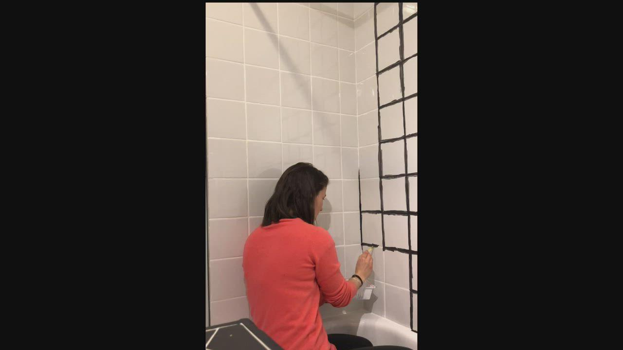 J Ai Teste Le Colorant Noir Pour Joints De Carrelage Video Video Carreaux Salle De Bain Decoration Petite Salle De Bain Idee Salle De Bain