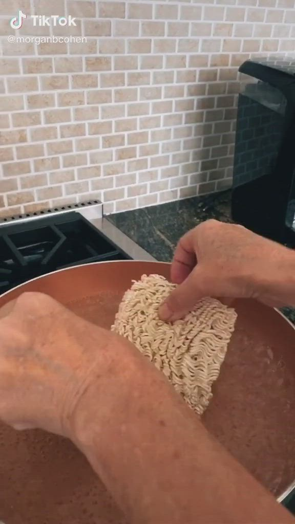 How To Make Kylie Jenner Ramen Video Recipes Diy Food Recipes Food