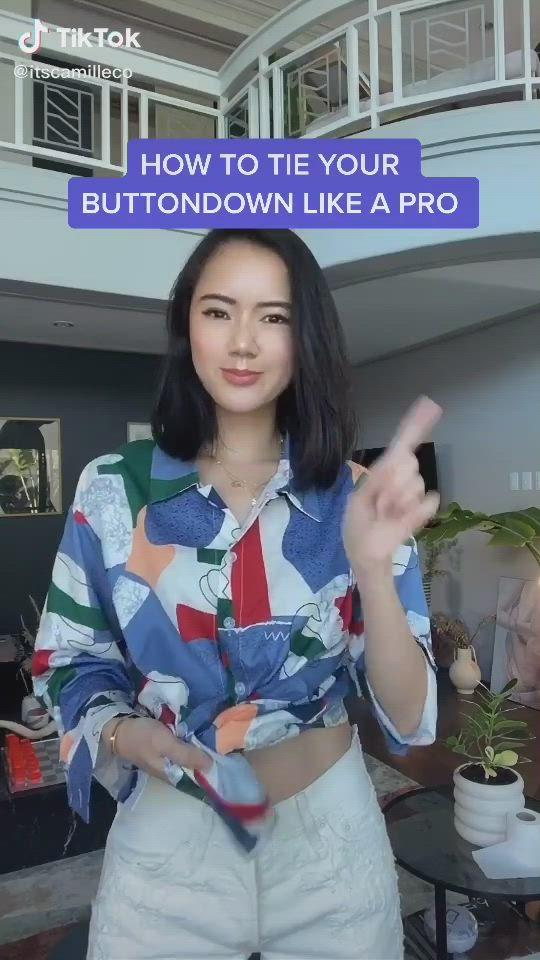 Easy How To Tie Your Buttondown Shirts Fashion Tiktok Video Button Up Shirt Womens Button Shirt Outfit Shirt Hacks