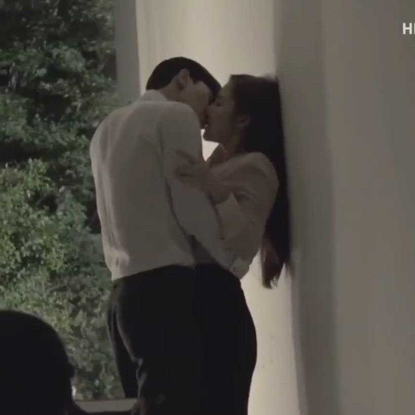 Video What S Wrong With Secretary Kim Romantis Aktor Gambar
